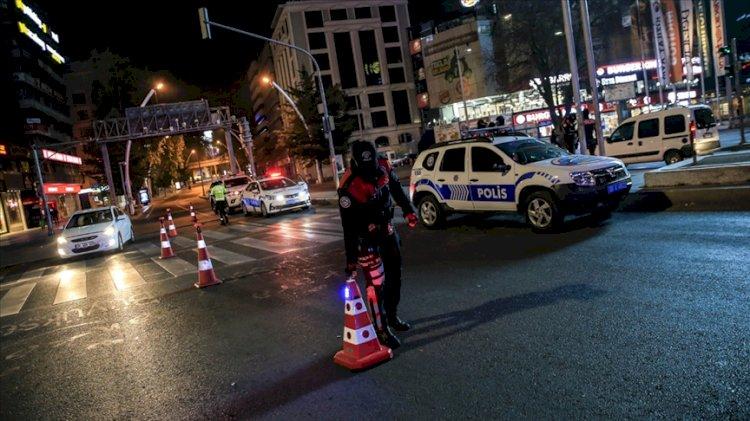 Yarın 05.00'e kadar sürecek olan sokağa çıkma yasağı başladı