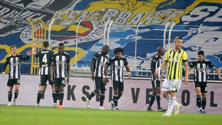 Süper Lig'in 10. haftasındaki derbide Beşiktaş, deplasmanda Fenerbahçe'yi 4-3 yendi