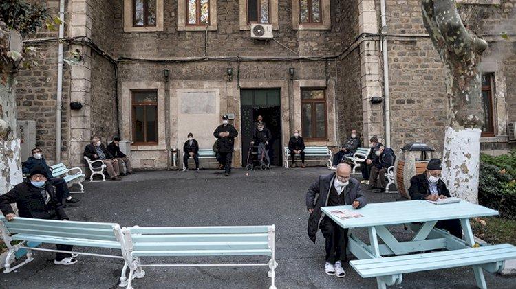 Darülaceze'de 'kapalı' 9 ay