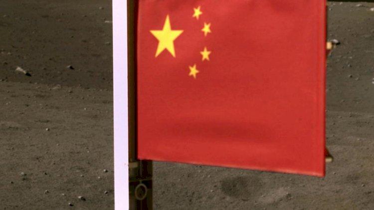Çin, Ay'a bayrağını diken ikinci ülke oldu