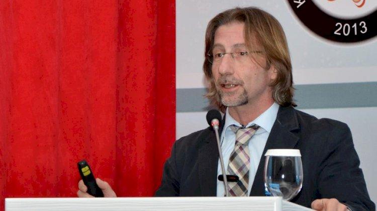 Prof. Dr. Ercüment Ovalı'dan koronavirüs aşısı açıklaması