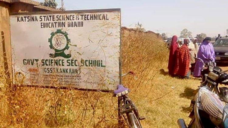 Nijerya'da yatılı okula saldırı: 400'e yakın öğrenci kaçırıldı
