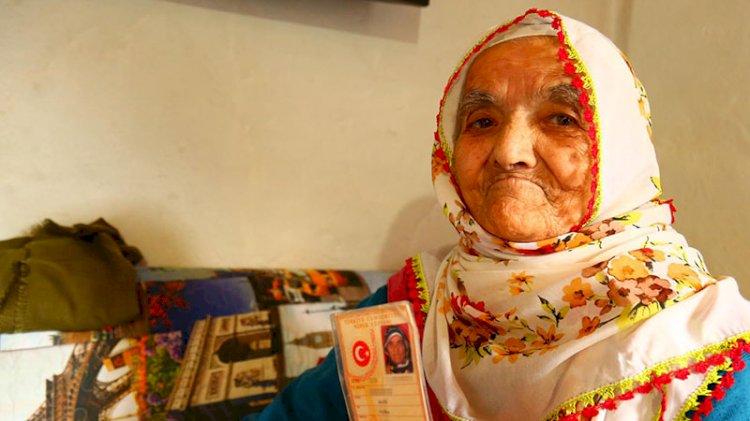 116 yaşında koronavirüsü yenen Fatma nine Sağlıklı yaşamın sırrını açıkladı