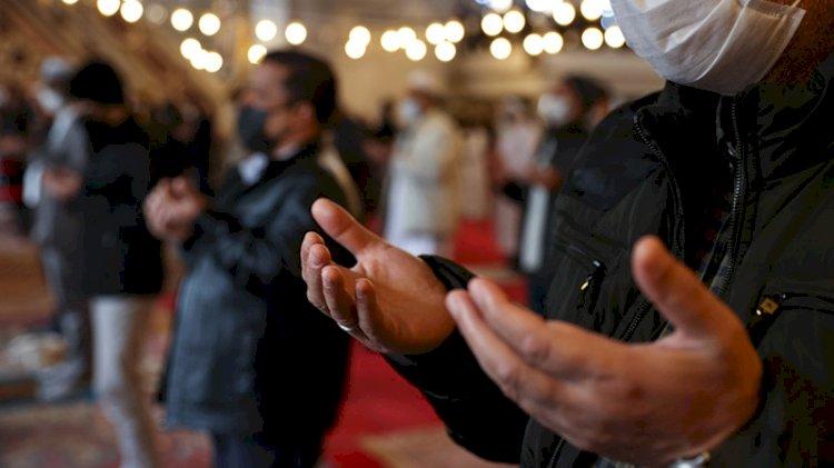 Diyanet'in 'ekonominin düzelmesi için de dua okunması' için müftülüğe başvurdular