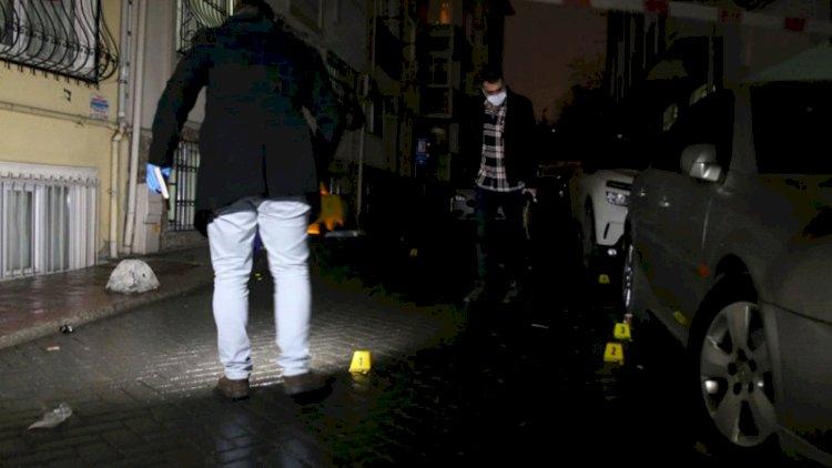 Beyoğlu'nda sokakta yürürken durdurup kurşun yağdırdılar