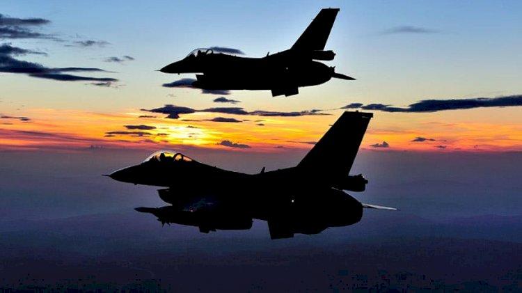 Ege Denizi'nin kuzeyinde eğitim uçuşu…8 Türk uçağı katıldı