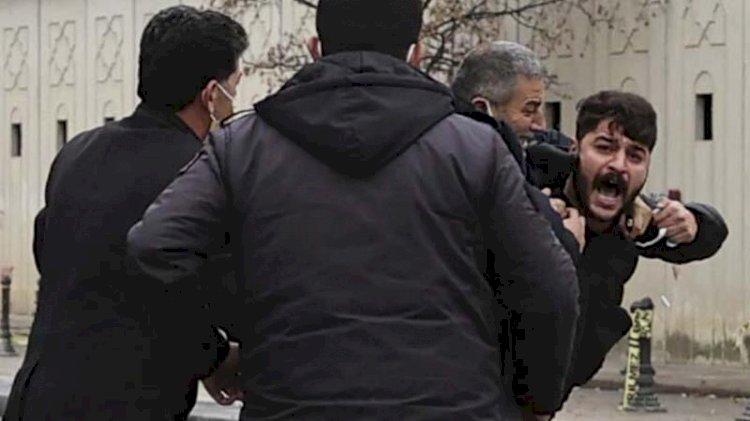 Ümitcan Uygun'un yakınları gazetecilere saldırdı