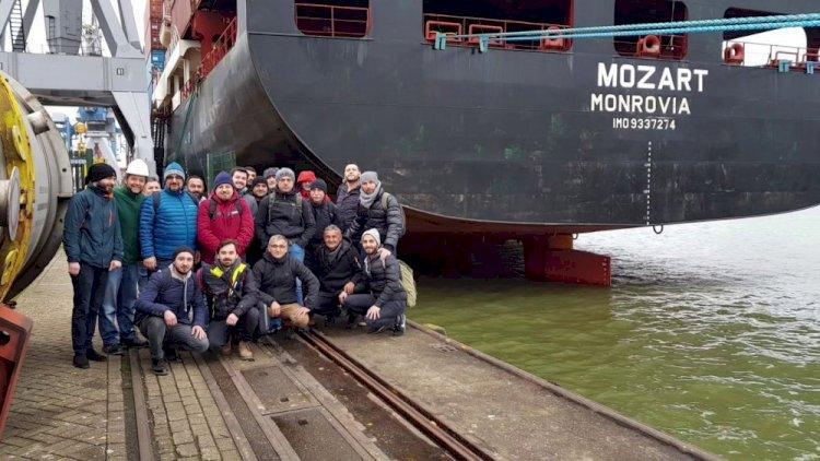 Türk denizcileri kaçıran korsanlarla ilk temas