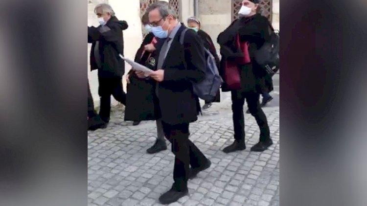 Boğaziçi'ne destek açıklamasını yürüyerek okudular