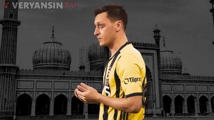 ' Mesut Özil Fenerbahçe'ye futbolcu olarak mı geldi yoksa Fenerbahçe Camii'ne imam mı oldu?'