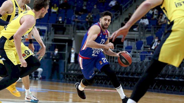 Euroleague'de Türk derbisini Anadolu Efes kazandı