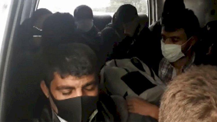 Korona yolculuğu: 12 kişilik midibüste 18 yolcu!