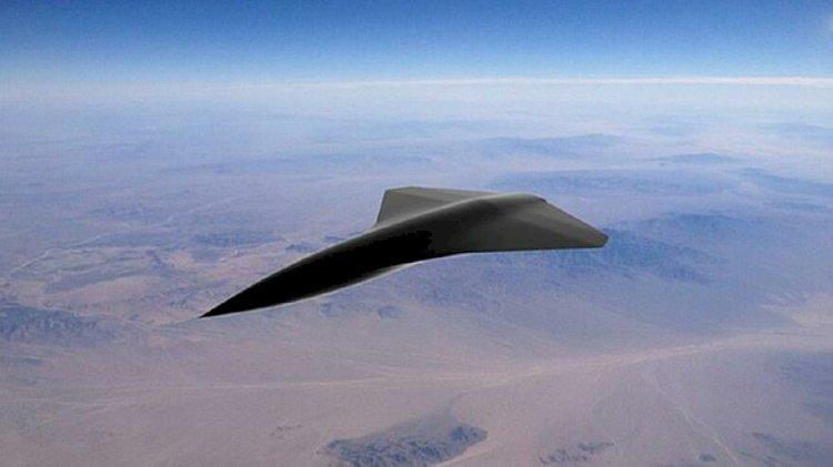 Dünyanın ilk süpersonik insansız savaş hava aracı
