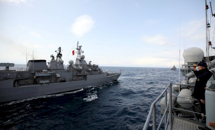 Çin donanmasının gücü ABD'yi solladı
