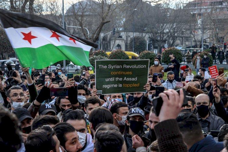 Pandemi önlemleri askıda… Suriyelilerden lebaleb miting