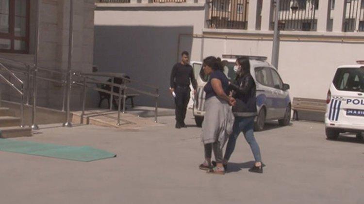 Polisi kendilerine yaklaştırmamak için sokağa işediler