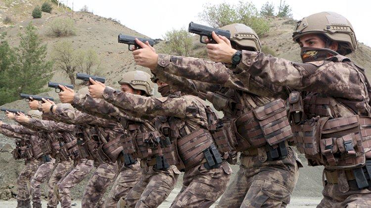 Kadın özel harekat ekipleri düşmanlara korku salıyor