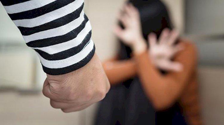 Kısıtlamada kadına şiddet arttı
