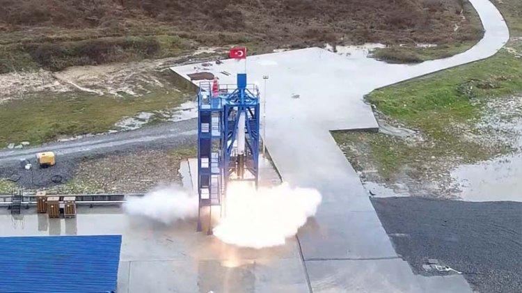 Milli ve özgün hibrit roket motoru ilk sınavını başarıyla geçti