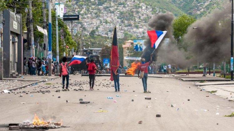 Haiti'de hükümet istifa etti