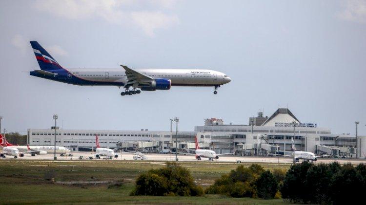 Rus uçakları boş gelip dolu dönüyor