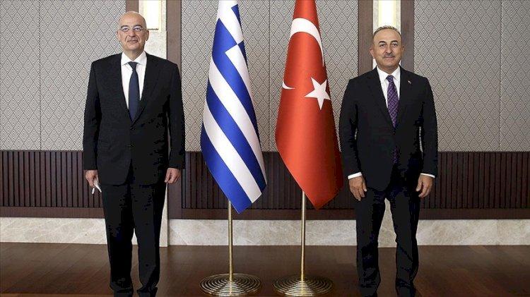 Dendias'ın skandal sözlerine Çavuşoğlu'ndan yanıt... Basın açıklamasında gergin anlar