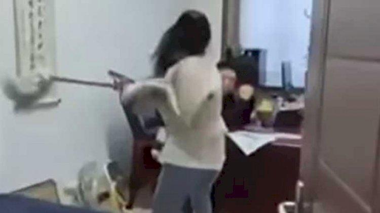 Tacizci patronunu böyle dövdü