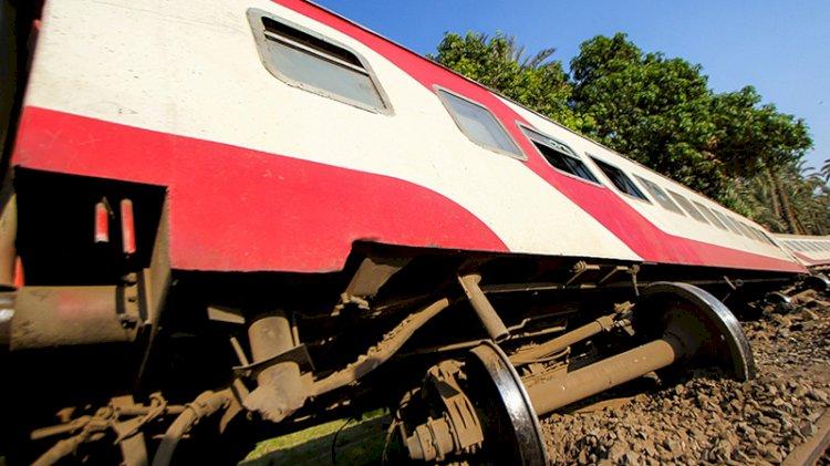 Mısır'da tren raydan çıktı: Ölü ve yaralılar var