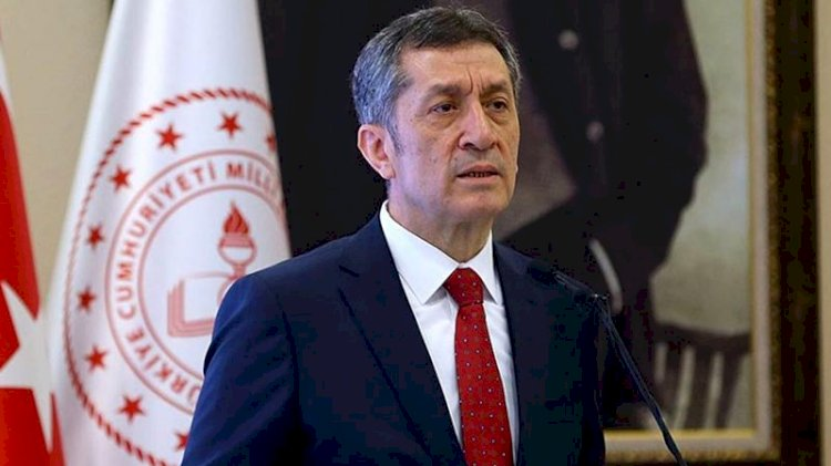 Milli Eğitim Bakanı Ziya Selçuk istifa etti!