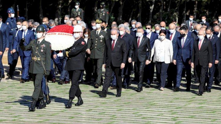 Erdoğan geleneği bozmadı, Anıtkabir'deki 23 Nisan törenine katılmadı