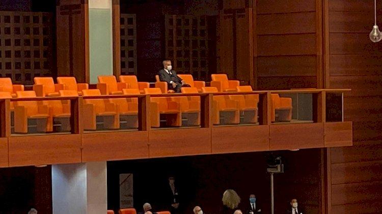 TBMM'deki oturumu tek başına takip eden AKP'li