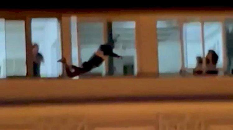 Hatay'da 7 katlı apartmanın çatısına çıkan kişi intihar etti