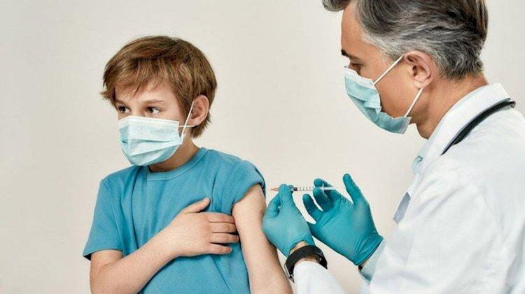 Dünya'da ilk: 12-15 yaş arası çocuklar aşılanacak
