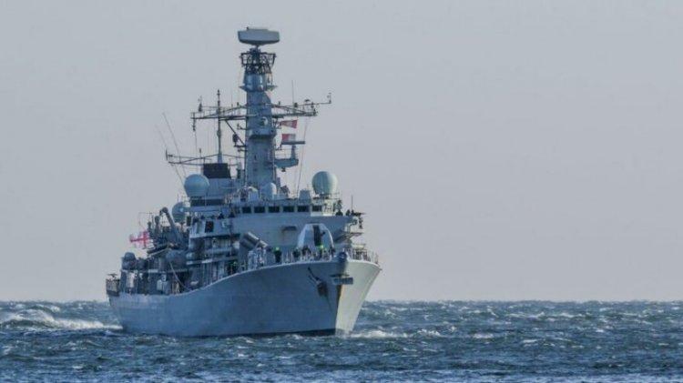 Fransa ile sular ısınıyor: İngilizler gemi gönderdi