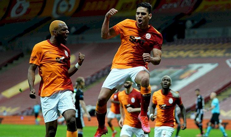 Derbide kazanan Galatasaray... Beşiktaş son haftalara sıkıntılı giriyor