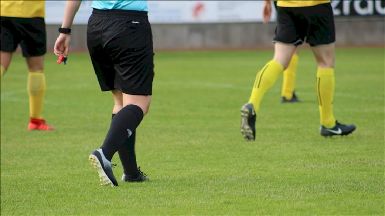 Elin avantajı olur mu? IFAB elle oynama ve penaltı kuralını güncelledi!
