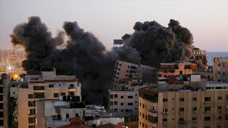 İsrail, Gazze'nin batısında sivillerin yaşadığı 12 katlı Hanadi Kulesi'ni hava saldırısıyla yıktı