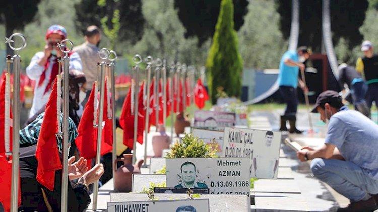 Soma maden faciasının 7'nci yıl dönümünde mezarlık ziyareti
