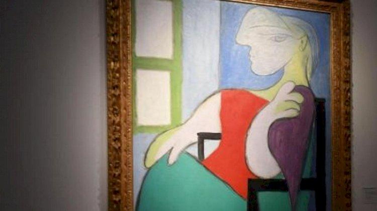 'Pencerenin yanında oturan kadın' servete satıldı
