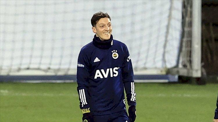 Fenerbahçe'de Altay Bayındır ve Mesut Özil sürprizi…