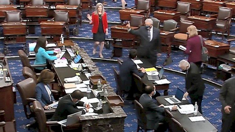 ABD Temsilciler Meclisi'nde 'maskeye veda' kutlaması