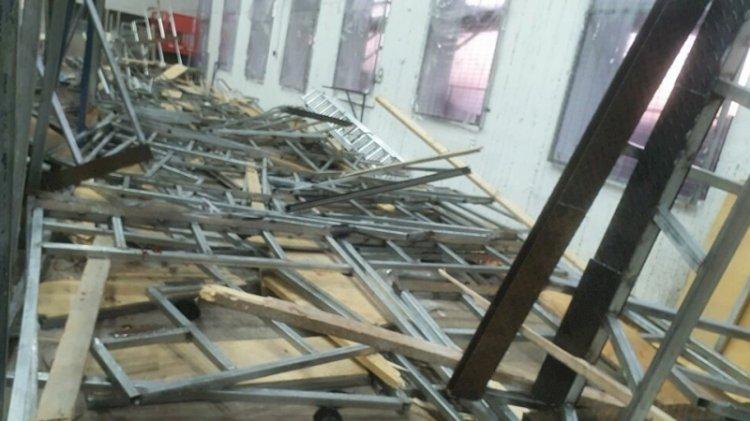 Sinagogda ayin sırasında tribün çöktü
