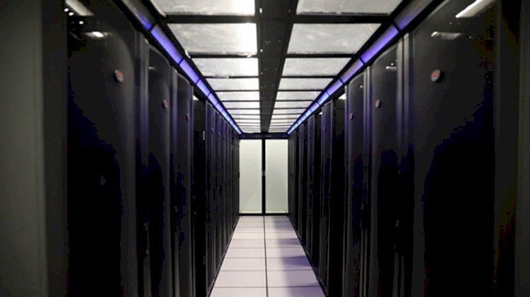 İran, tamamı yerli ilk süper bilgisayarı Simurg'u tanıttı