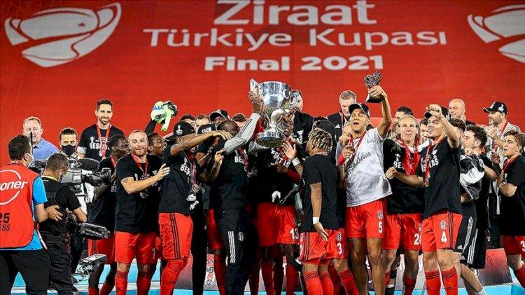 Beşiktaş İzmir'den çifte kupayla dönüyor