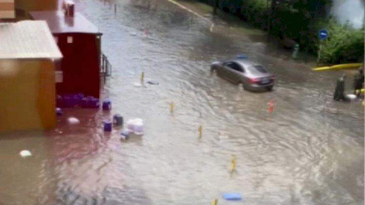 İstanbul'da kuvvetli yağmur ve dolu