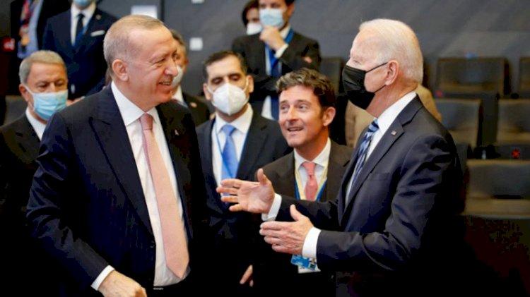 Erdoğan ile Biden arasında ayaküstü sohbet