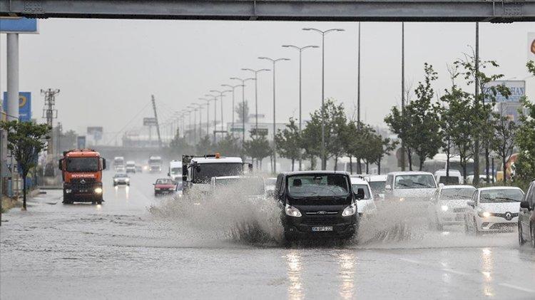 Başkentte şiddetli yağış su baskınlarına neden oldu