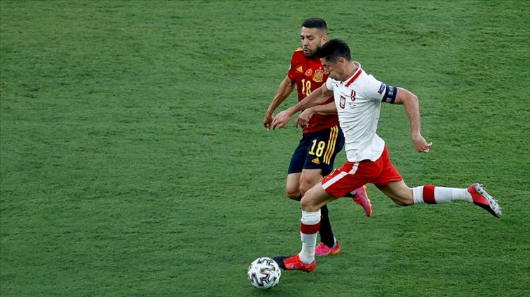 Polonya, Lewandowski'nin golüyle ilk puanını aldı