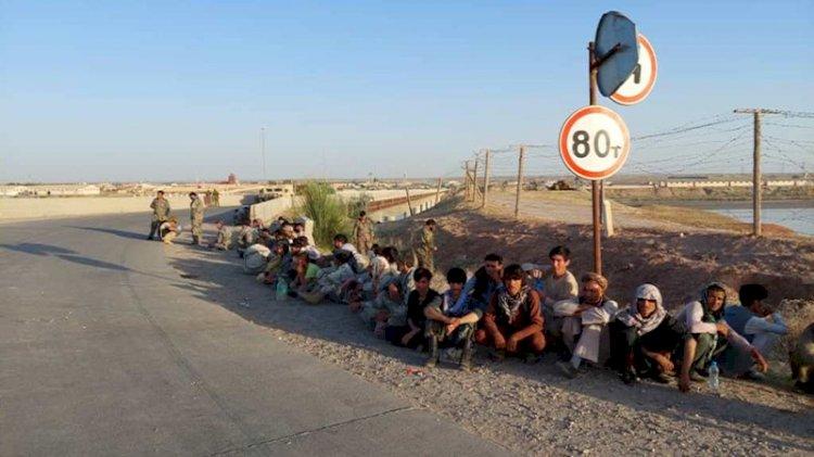 Taliban'dan kaçan Afganistan askerleri Tacikistan'a sığındı