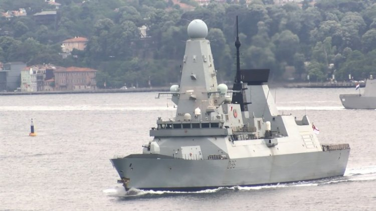 Karadeniz ısındı... Ruslar İngiliz gemisine uyarı ateşi açtı